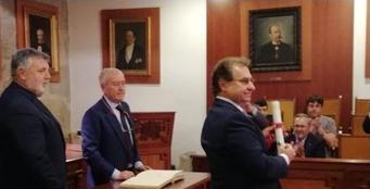 Dr. Lylyk como Miembro de Honor del Colegio Médico de La Coruña, España